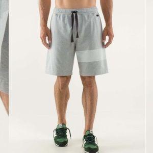 Lululemon Men's Rise Short in Silver Slate Size S